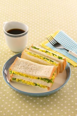 千切ごま沢庵のサンドイッチ