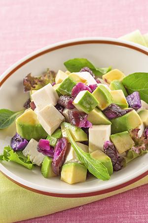 赤しば漬とアボカド・豆腐の角切りサラダ